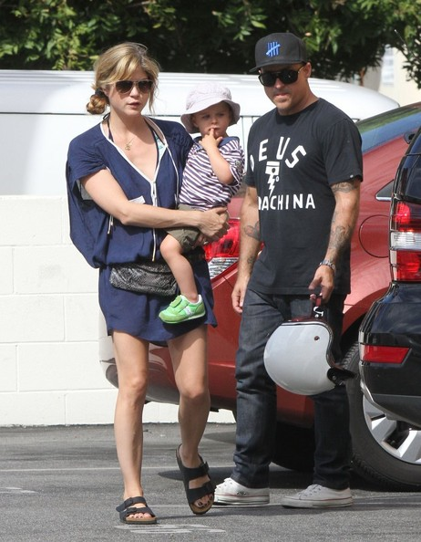 Selma Blair & Arthur Saint Farmers Market Fun With Daddy 4