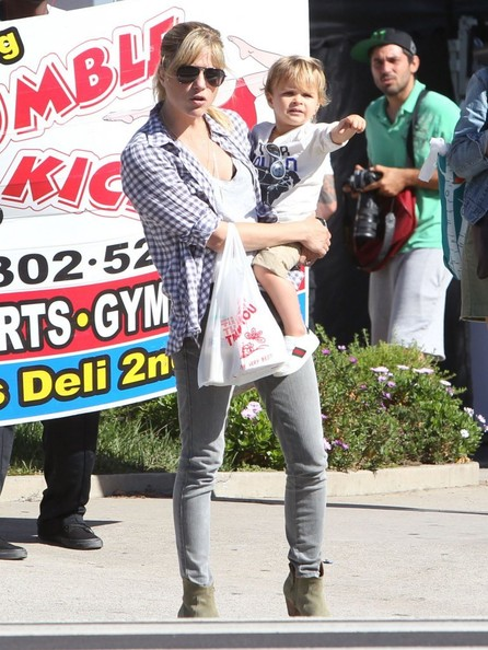 Selma Blair & Son Arthur Spotted At Farmers Market 4