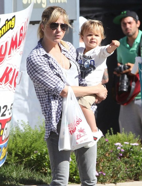 Selma Blair & Son Arthur Spotted At Farmers Market 5