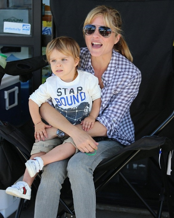 Selma Blair & Son Arthur Spotted At Farmers Market 9