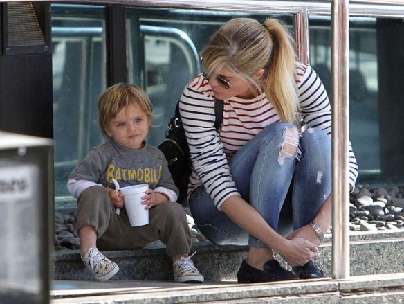 Arthur Saint Shares A Treat With Mommy Selma Blair 2
