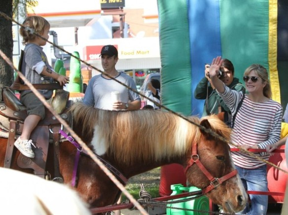 Selma Blair & Arthur Saint Pony Rides 4
