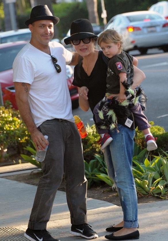 Selma Blair & Jason Bleick Take Son Arthur For Halloween Fun 2
