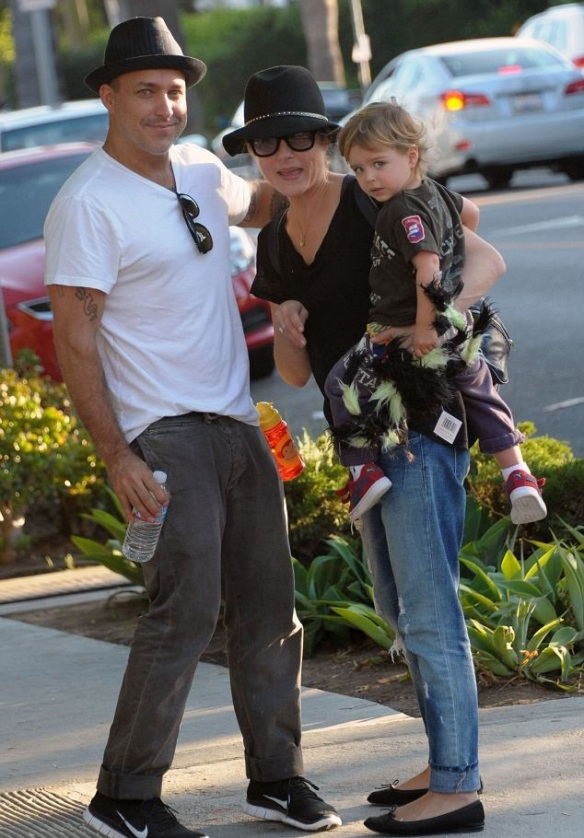 Selma Blair & Jason Bleick Take Son Arthur For Halloween Fun 2