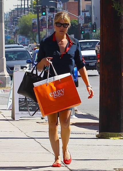 Selma Blair Shopping In LA - October 2013.jpg 1