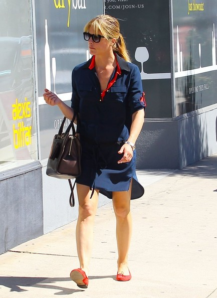 Selma Blair Shopping In LA - October 2013.jpg 2