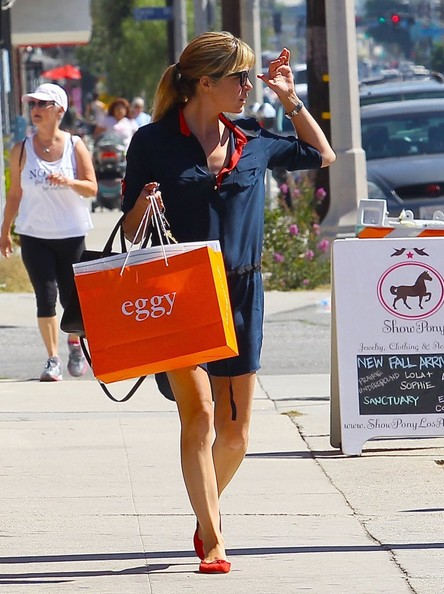 Selma Blair Shopping In LA - October 2013.jpg 6