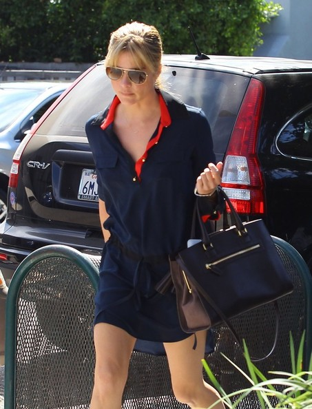 Selma Blair Shopping In LA - October 2013.jpg 9