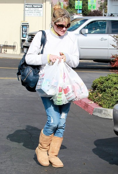 Selma Blair Stops For Supplies 2