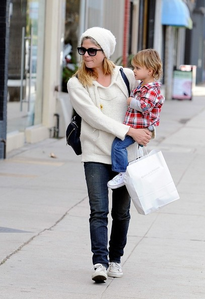 Selma Blair Takes Arthur Saint Shopping 2