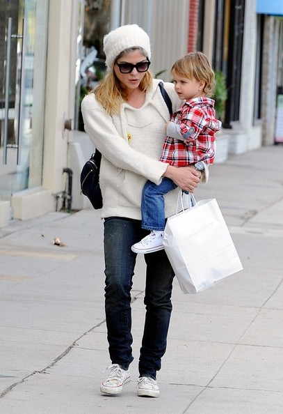 Selma Blair Takes Arthur Saint Shopping 3