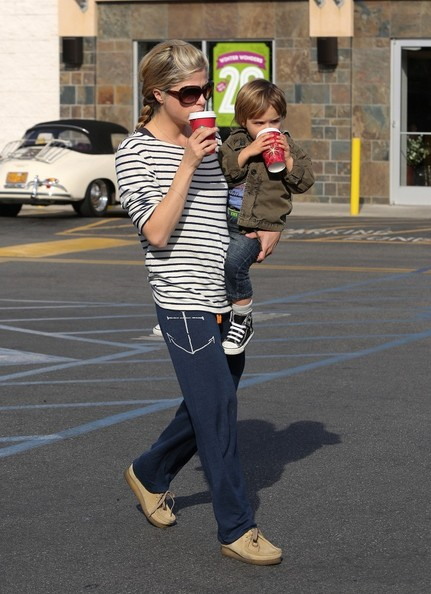 Selma Blair & Arthur Saint Coffee Run 1