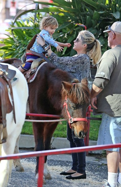 Selma Blair & Arthur Saint Pony Rides At Farmers Market 1
