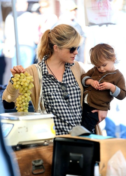 Selma Blair & Arthur Saint Shop For Produce at Farmers Market 1