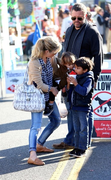 Selma Blair & Arthur Saint Shop For Produce at Farmers Market 6