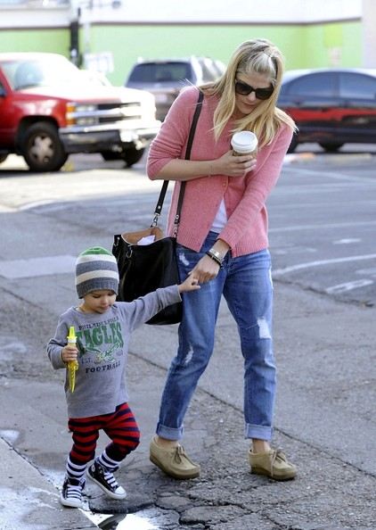 Selma Blair & Arthur Saint Sunday Morning At The Farmers Market 3