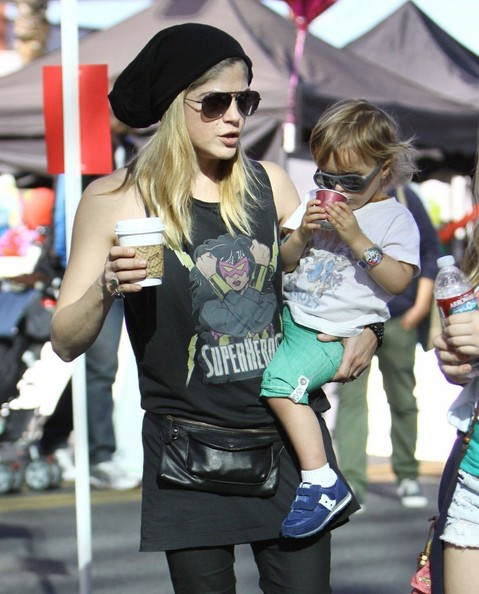 Selma Blair & Little Arthur 1