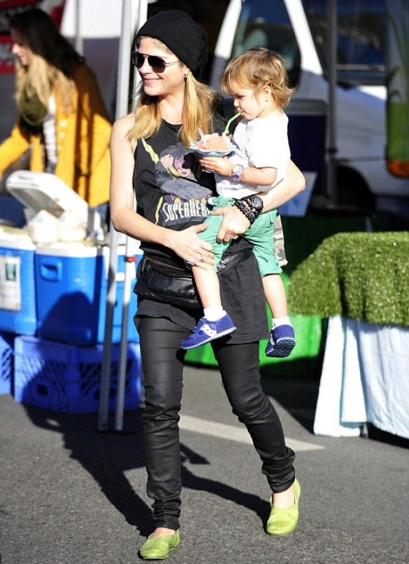 Selma Blair Superheroes Mommy 2