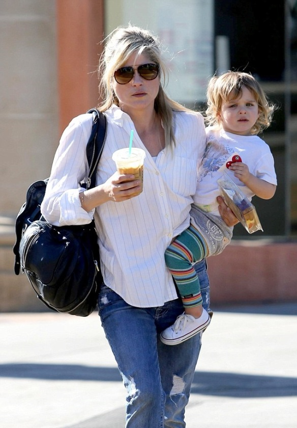 Selma Blair & Little Arthur Candids January 13, 2014 3