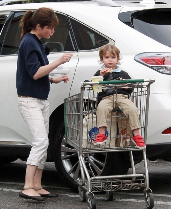 Selma Blair & Arthur Saint Grocery Run 5