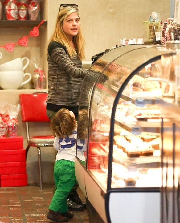 Selma Blair & Arthur Saint Stop For Treats 6