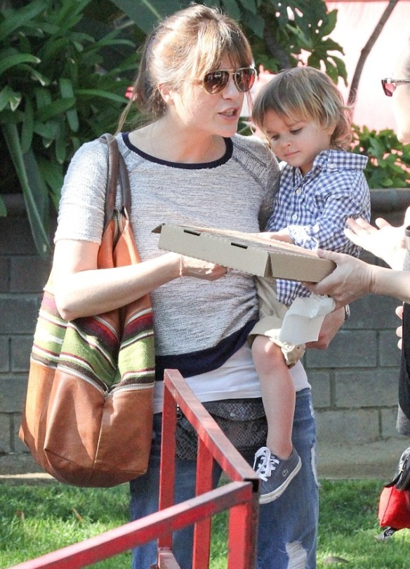 Selma Blair Steps Out In Three Dots Top 1