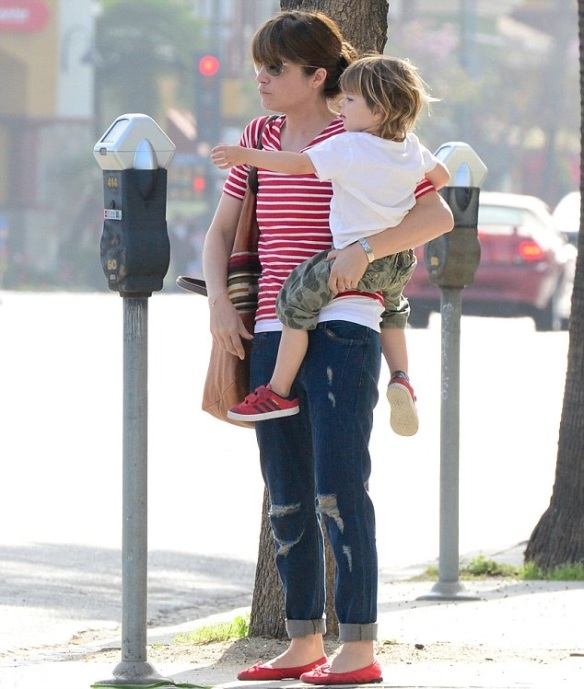 Selma Blair Spends The Day With Her Son Arthur 6