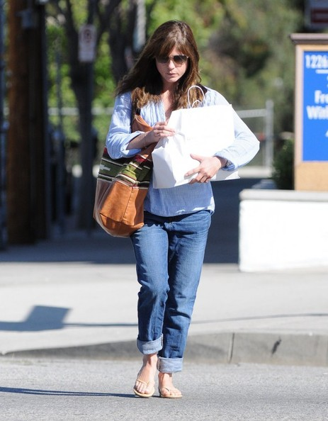 Selma Blair Stops At Charlie's Pantry For Lunch 4