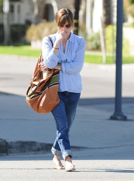 Selma Blair Stops At Charlie's Pantry For Lunch 7