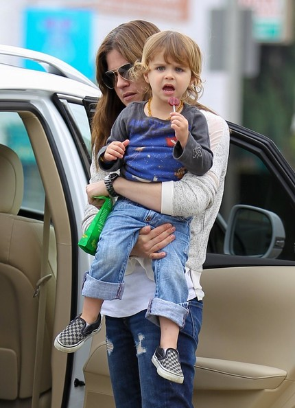 Selma Blair Takes Arthur Saint On A Playdate 1