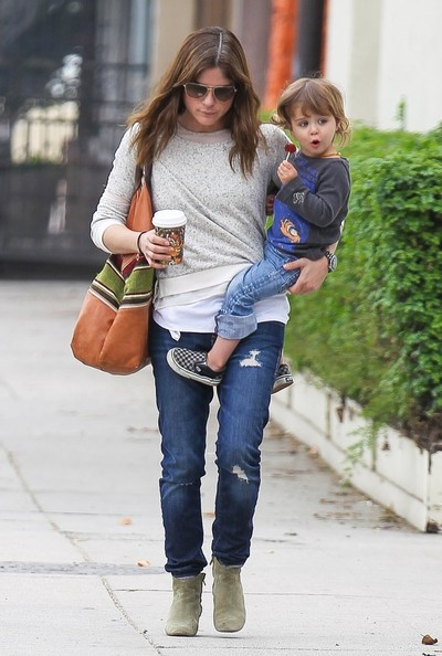 Selma Blair Takes Arthur Saint On A Playdate 10