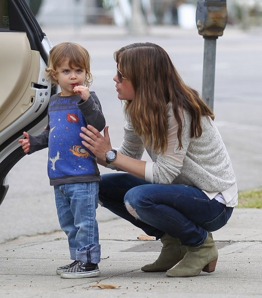 Selma Blair Takes Arthur Saint On A Playdate 4