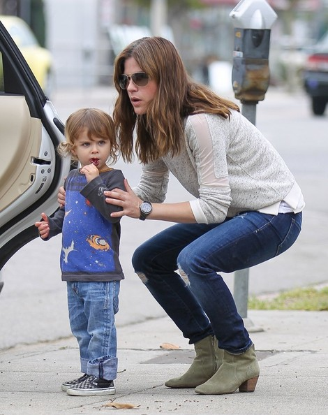 Selma Blair Takes Arthur Saint On A Playdate 5