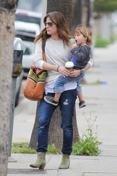 Selma Blair Takes Arthur Saint On A Playdate 7
