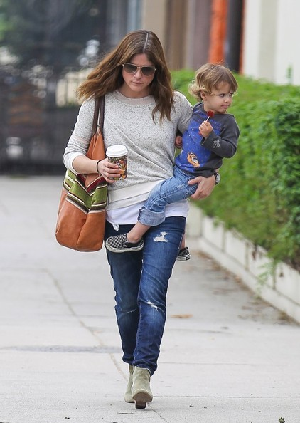 Selma Blair Takes Arthur Saint On A Playdate 9