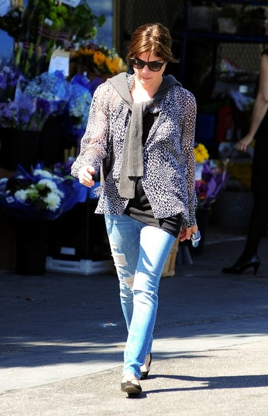Selma Blair Leaving The Market 1