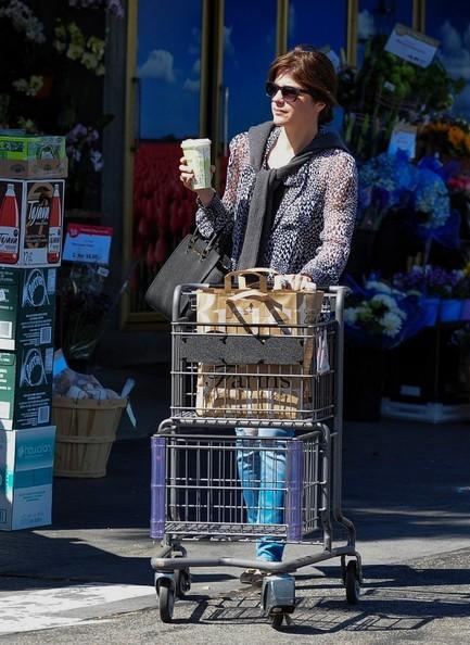 Selma Blair Leaving The Market 4