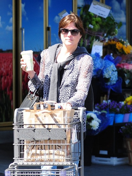 Selma Blair Leaving The Market