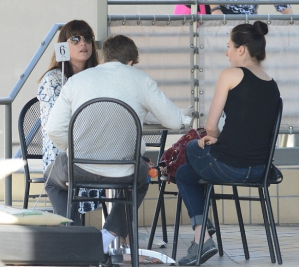 Selma Blair Meets Her Friends For Lunch 3