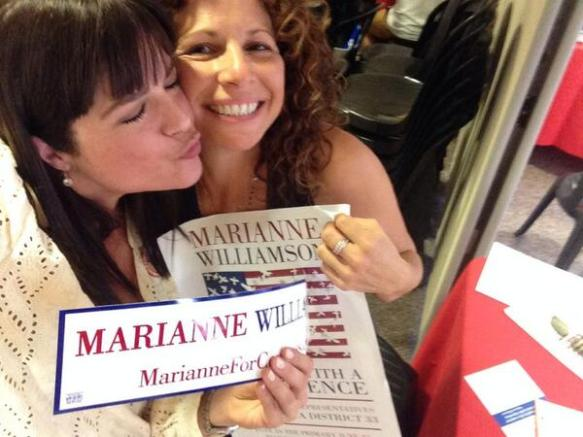 Selma Blair supports Marianne Williamson 2