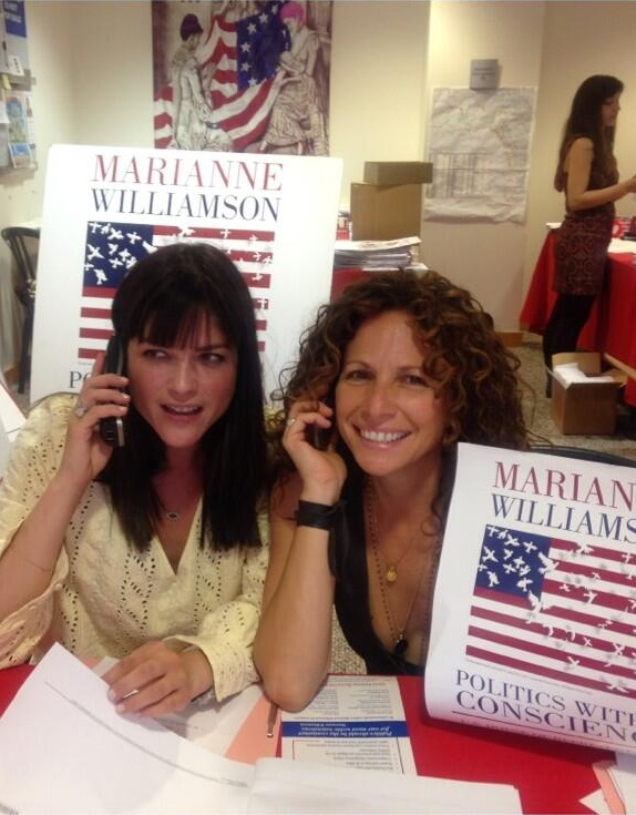 Selma Blair supports Marianne Williamson 3