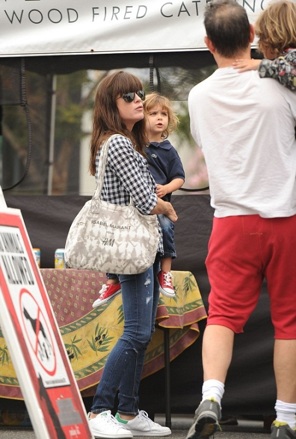 Selma Blair And Little Arthur Enjoy The Farmers Market 6
