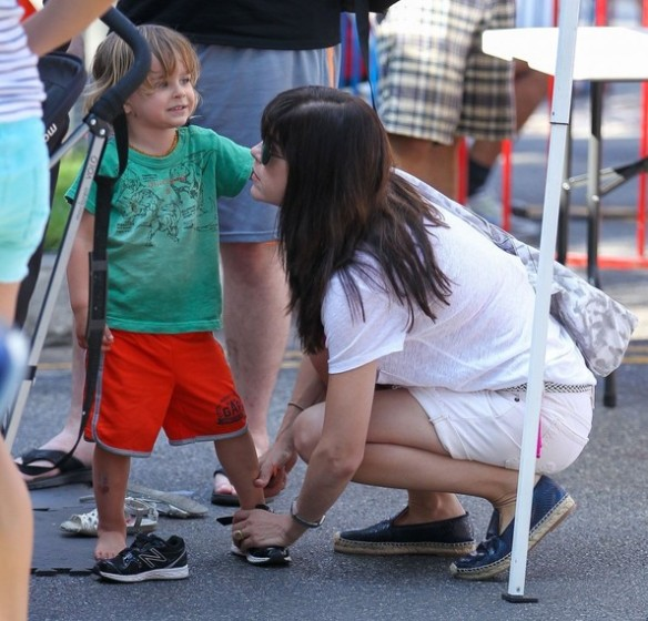 Selma Blair & Arthur Farmers Market Outing 1