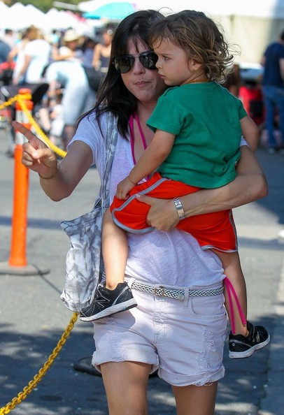 Selma Blair & Arthur Farmers Market Outing 8