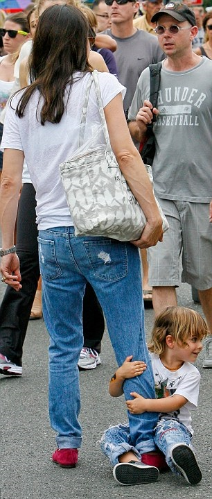 Selma Blair Spends The Day With Family At The Farmers Market 11