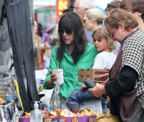 Selma Blair Spends The Day With Family At The Farmers Market 4