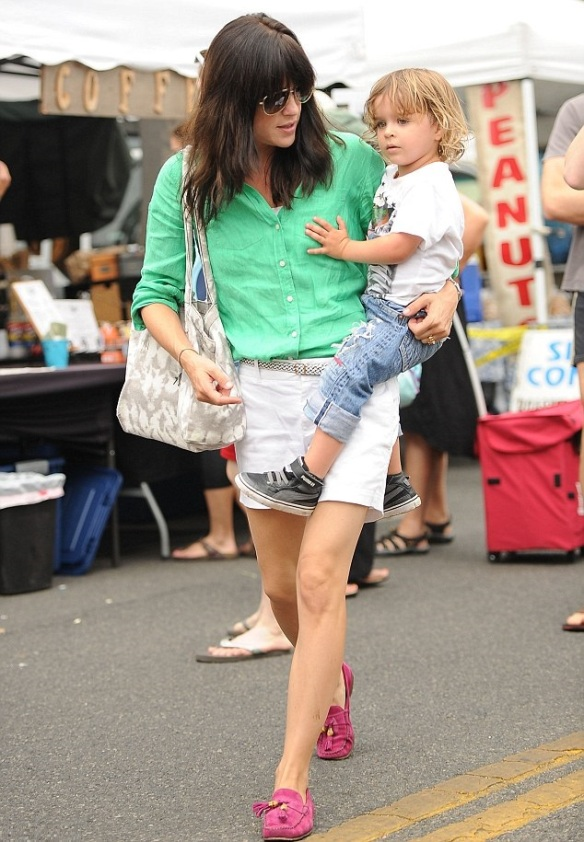 Selma Blair Spends The Day With Family At The Farmers Market 8