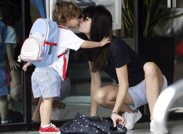 Selma Blair Shares Smooch With Her Saint 1