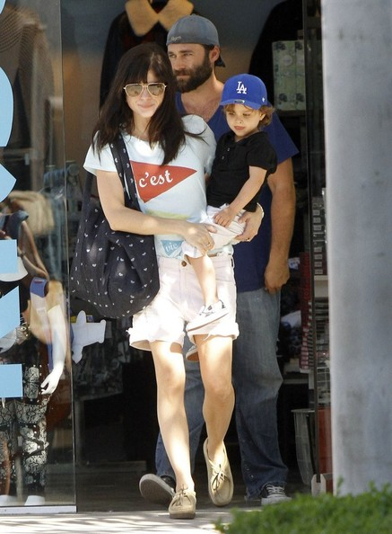 Selma Blair Shopping With Arthur In West Hollywood 2