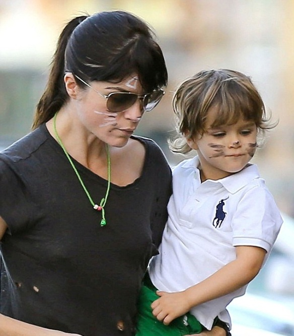 Selma Blair And Kitty Cat Son Arthur 1